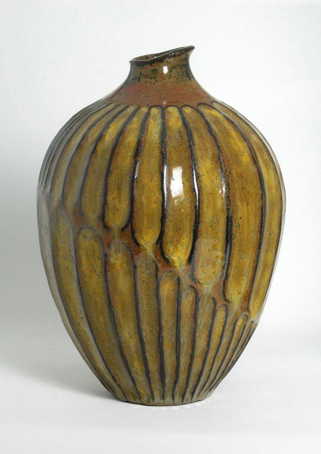 Embrace - Gold ceramic vase